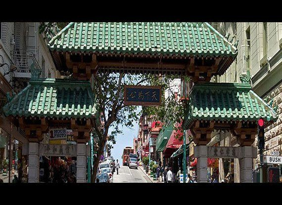 As the largest Chinatown outside of Asia and the oldest in the U.S., Chinatown San Francisco is home to thousands of locals a