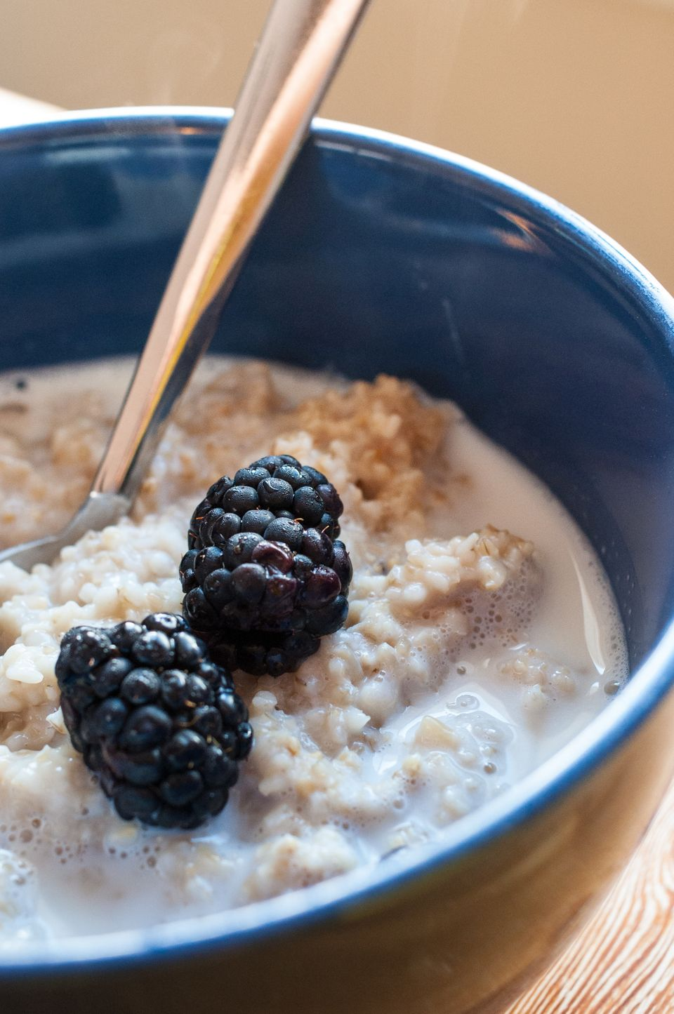 """Oatmeal is a good source of soluble fiber and contains <a href=""""http://altmedicine.about.com/od/herbsupplementguide/a/Beta-Gl"""