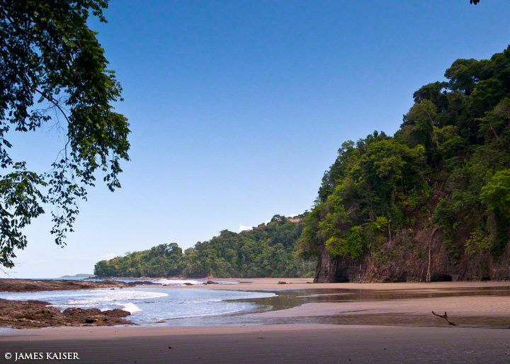 One of the most hidden beaches in Costa Rica, Playa Arcos is surrounded by steep hills covered in dense jungle. The beach is