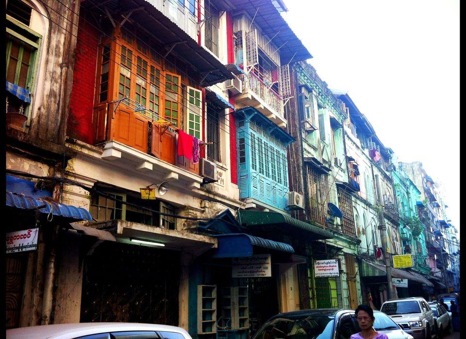 A Yangon street around Musmeah Yeshua Synagogue.
