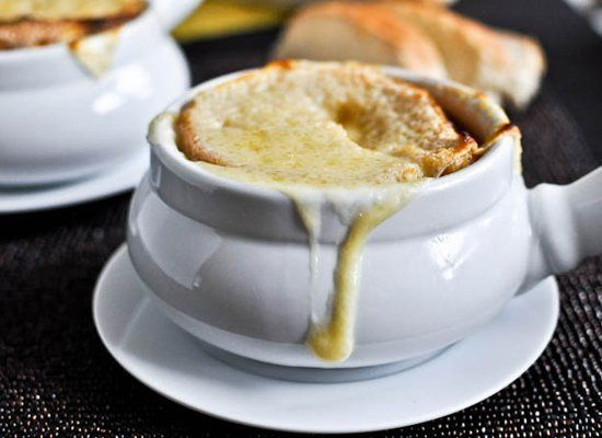 """<strong>Get the <a href=""""http://www.howsweeteats.com/2011/09/crockpot-french-onion-soup/"""" target=""""_hplink"""">French Onion Soup"""