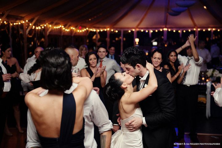 How To Dance At A Wedding.How To Be A Great Wedding Guest Huffpost Life
