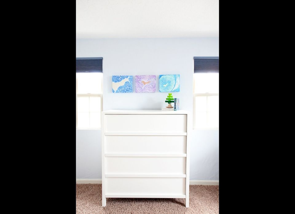 I love how you can place smaller canvases together to create a beautiful focal point in the room. How pretty is this?