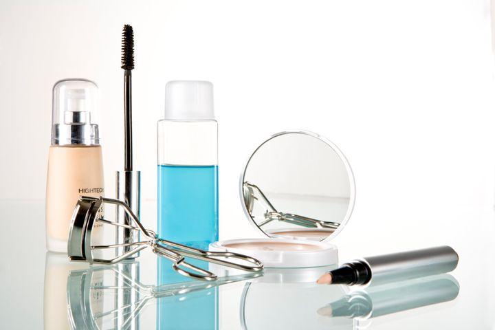 Cosmetic utensils