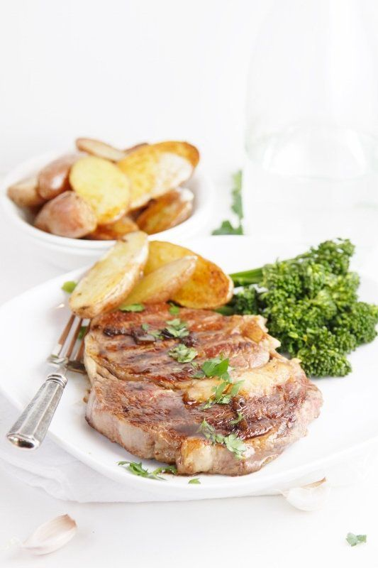 "<strong>Get the<a href=""http://www.bellalimento.com/2013/05/02/grilled-ribeye-with-balsamic-butter-sauce/"" target=""_blank""> G"