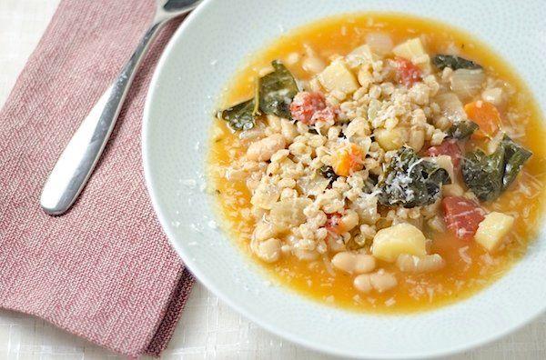 "<strong>Get the <a href=""http://thechiclife.com/2012/08/vegetarian-italian-farro-soup-recipe.html"">Vegetarian Italian Farro S"