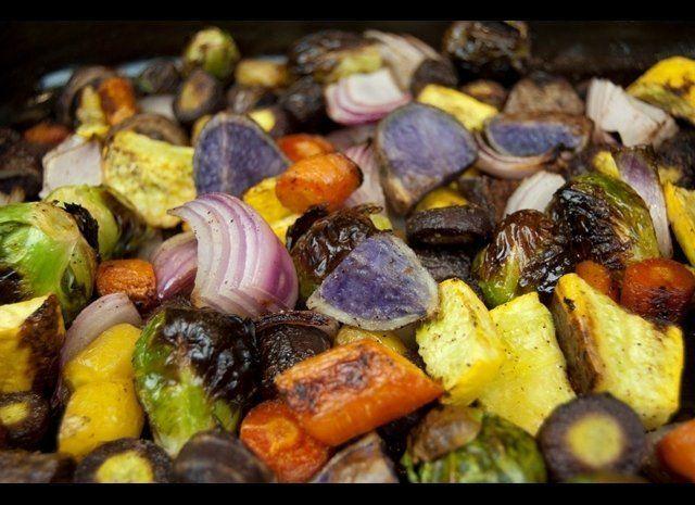 <em>Serves 6-8</em><strong>Ingredients</strong> 10 purple potatoes, cubed 2 medium red onions, cubed 6 purple potatoes, sl