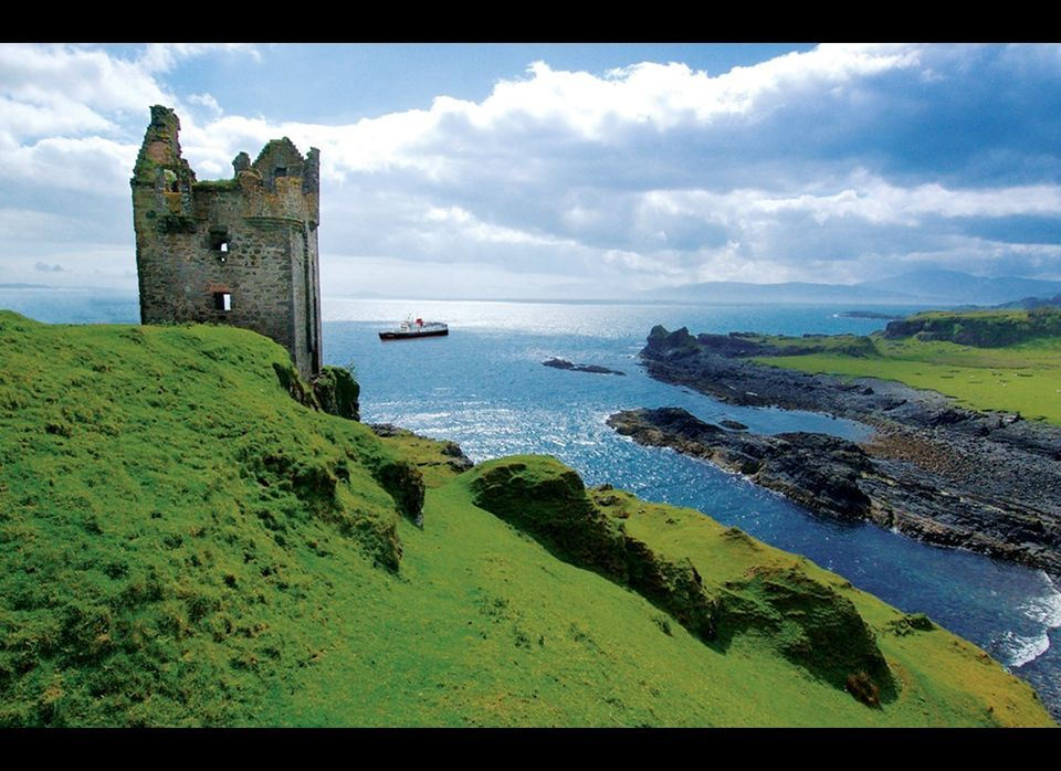 (© Hebridean Princess) For anyone who (like me) loves small, intimate ships; country house hotels; and Scotland, the <a href=