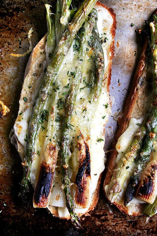 "<strong>Get the <a href=""http://www.alexandracooks.com/2012/04/13/tartine-style-asparagus-spring-onion-croque-monsieur/"" targ"