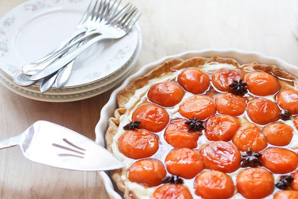 """<strong>Get the <a href=""""http://www.feastingathome.com/2012/08/honey-roasted-apricot-tart-with.html#.UWs9fyvwLKp"""" target=""""_bl"""