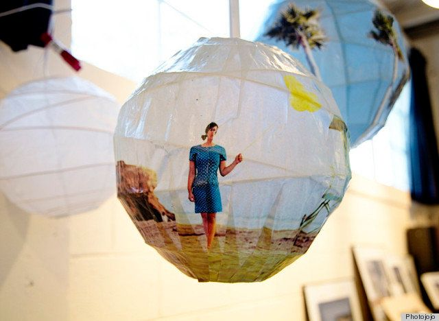 Turning paper lanterns into glowing photo spheres is a great way to remind our moms of a shared, sentimental moment. Check ou