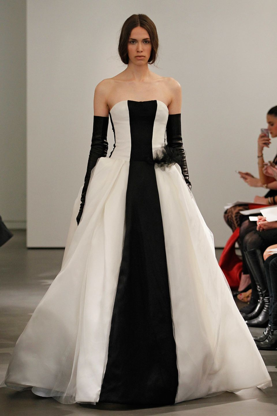 Vera Wang\'s Spring 2014 Bridal Collection Features Black And White ...