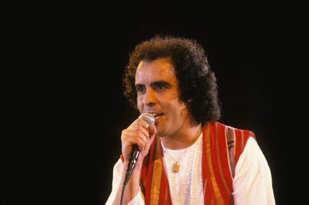 Djamel Allam lors d'un concert à Alger en