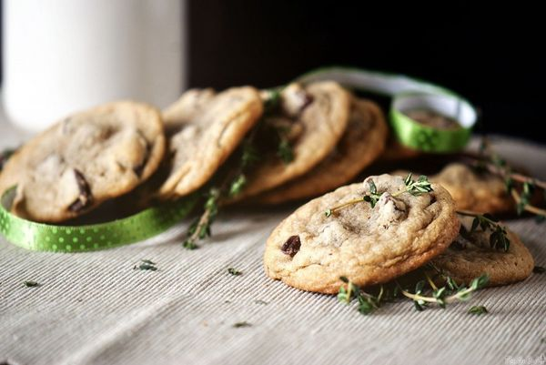 "<strong>Get the <a href=""http://passthesushi.com/sea-salt-and-thyme-chocolate-chunk-cookies/"" target=""_blank"">Sea Salt and Th"