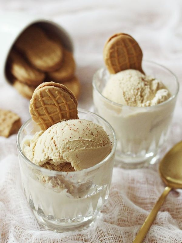 "<strong>Get the <a href=""http://www.abeautifulmess.com/2013/05/peanut-butter-cayenne-ice-cream.html"" target=""_blank"">Peanut B"