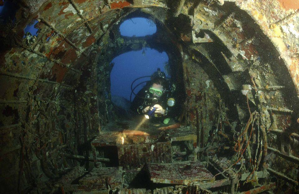 Diver explores Chuuk wrecksite.