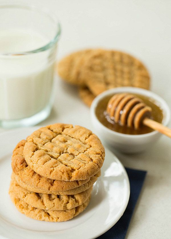"<strong>Get the <a href=""http://www.browneyedbaker.com/2013/10/08/honey-peanut-butter-cookies/"" target=""_blank"">Honey-Peanut"