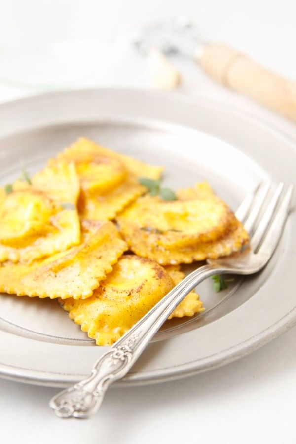 """<strong>Get the <a href=""""http://www.bellalimento.com/2014/03/28/pan-fried-ravioli-with-brown-butter-herb-sauce/"""" target=""""_bla"""