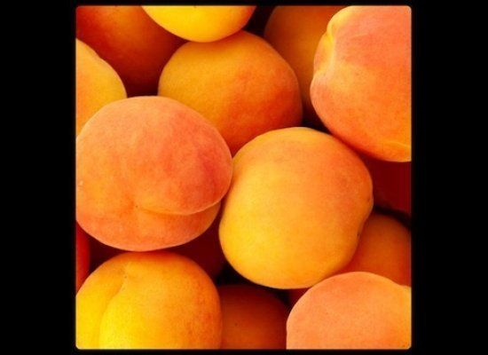 Apricots' orange-yellow color is a cue that they're an excellent source of the antioxidant beta-carotene. They also provide p