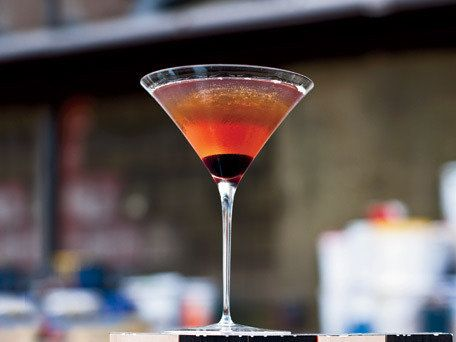 The classic. Start here, and learn to love all other whiskey cocktails better. We prefer ours with rye whiskey.  <strong>Get