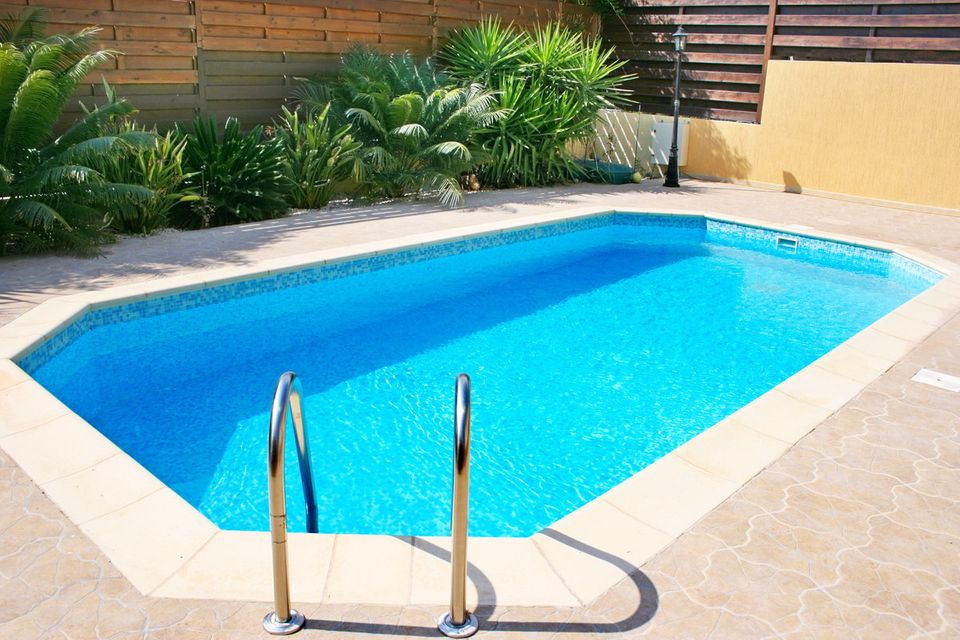 Weekend DIY Ideas: 7 Ways To Prepare Your Swimming Pool Area For The ...