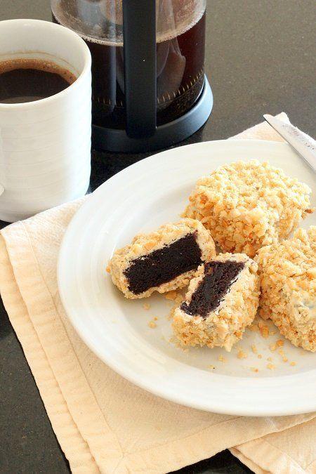 "<strong> Get the <a href=""http://www.wheatfreemeatfree.com/white-chocolate-macadamia-nut-brownie-lamingtons/"" target=""_blank"""