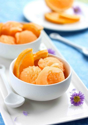 """<strong>Get the <a href=""""http://www.cookincanuck.com/2011/08/orange-cantaloupe-sorbet-with-orange-slices-recipe/"""" target=""""_bl"""