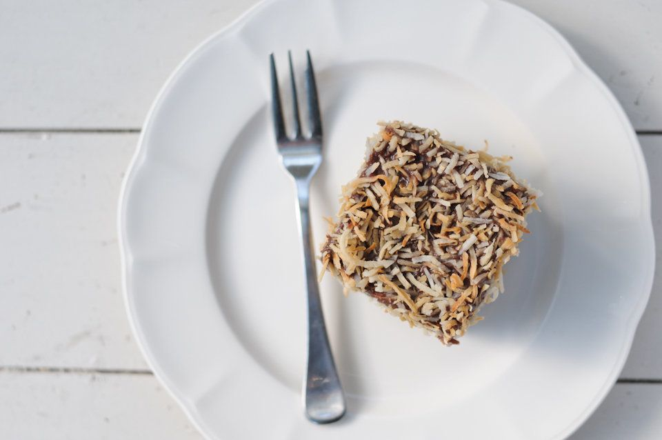 """<a href=""""http://toastybiscuit.com/"""" target=""""_blank"""">toastybiscuit.com/</a>  For recipes like the lamington alone, Toasty Bisc"""