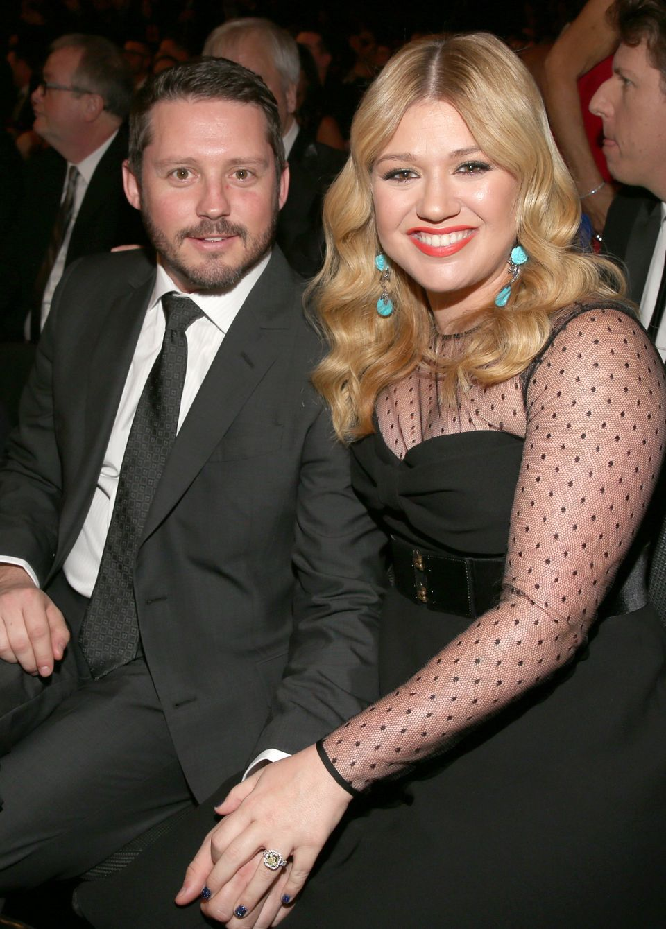 """Kelly Clarkson realized her <a href=""""http://stylenews.peoplestylewatch.com/2012/12/16/kelly-clarkson-engagement-ring/"""" target"""