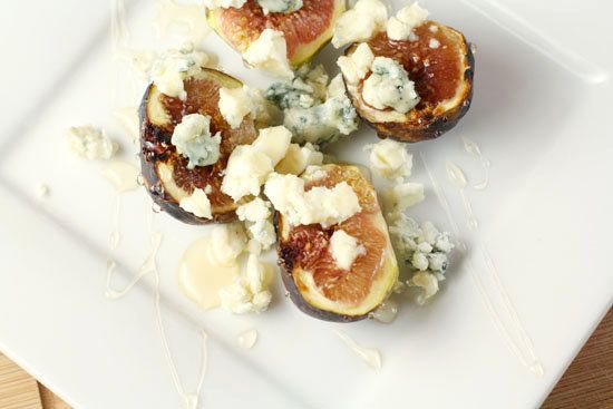 """<strong>Get the <a href=""""http://www.macheesmo.com/2010/12/a-quick-fig-appetizer/"""" target=""""_blank"""">Figs With Blue Cheese And H"""