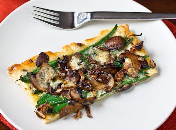 """<strong>Get the <a href=""""http://www.aspicyperspective.com/2012/11/savory-tart-green-bean-mushroom-tart.html"""" target=""""_blank"""">"""