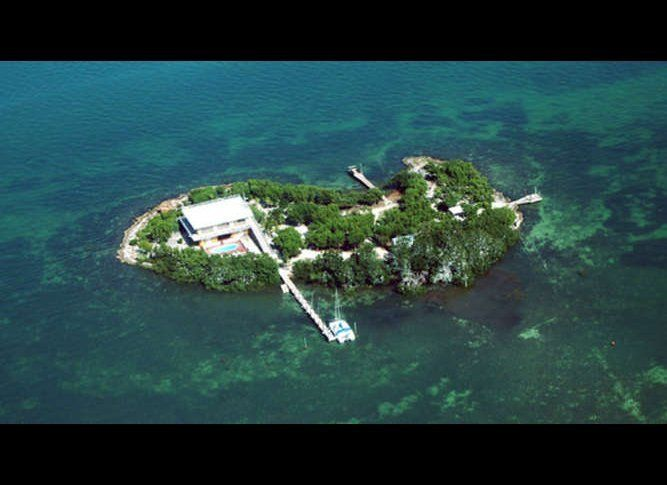 Location: Florida Keys<br>Size: 1.7 acres<br>Bedrooms: 3<br>Bathrooms: 2<br>Notes: Guest quarters, pool, dock; island comes w