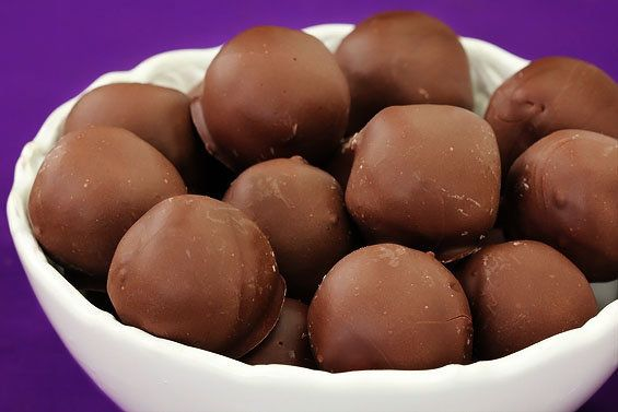 """<strong>Get the <a href=""""http://www.gimmesomeoven.com/chocolate-chip-cookie-dough-truffles/"""" target=""""_blank"""">Chocolate Chip C"""