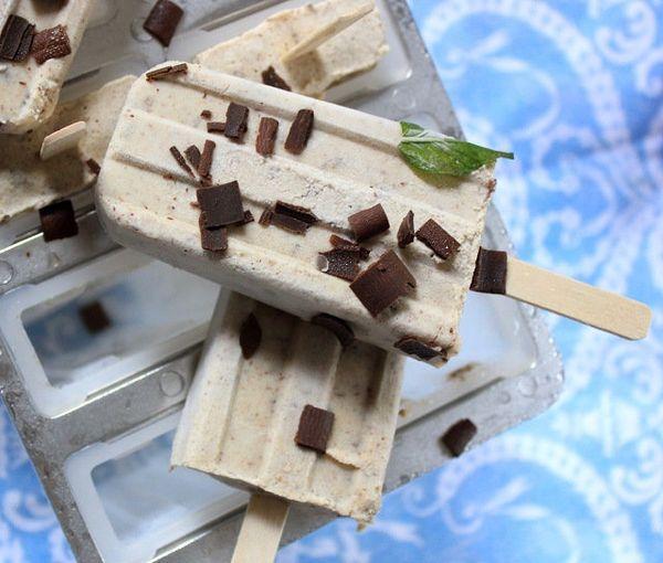 "<strong>Get the <a href=""http://www.woodenspoonbaking.com/2014/06/vegan-cookie-dough-pops.html"" target=""_blank"">Vegan Cookie"