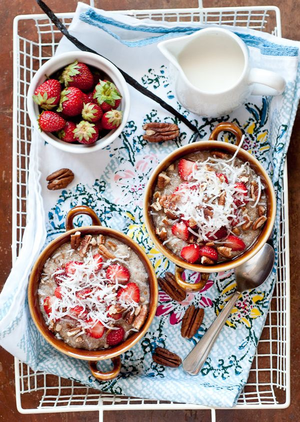 "<strong>Get the <a href=""http://cafejohnsonia.com/2012/06/buckwheat-amaranth-porridge-with-strawberries-and-coconut.html"" tar"