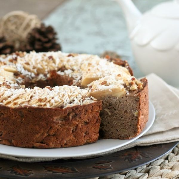 "<strong>Get the <a href=""http://thehealthyfoodie.com/healthy-apple-ring-cake/"" target=""_blank"">Buckwheat Apple Ring Cake reci"