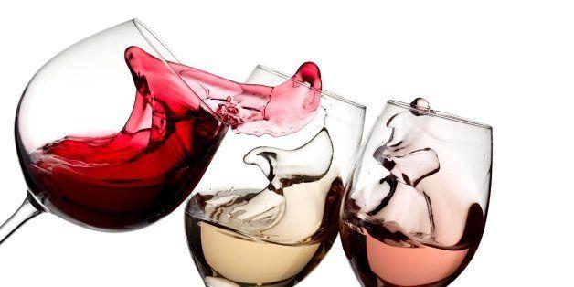 red  white and rose wine plash
