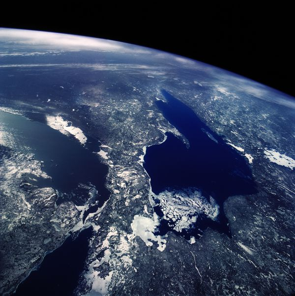 The Great Lakes touch Canada, Illinois, Indiana, Michigan, Minnesota, New York, Ohio, Pennsylvania and Wisconsin. Combined, t