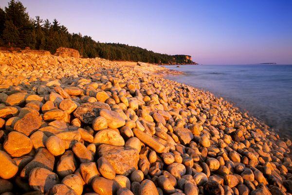 The Georgian Bay shoreline at Halfway Log Dump in Bruce Peninsula National Park, Ontario, Canada.