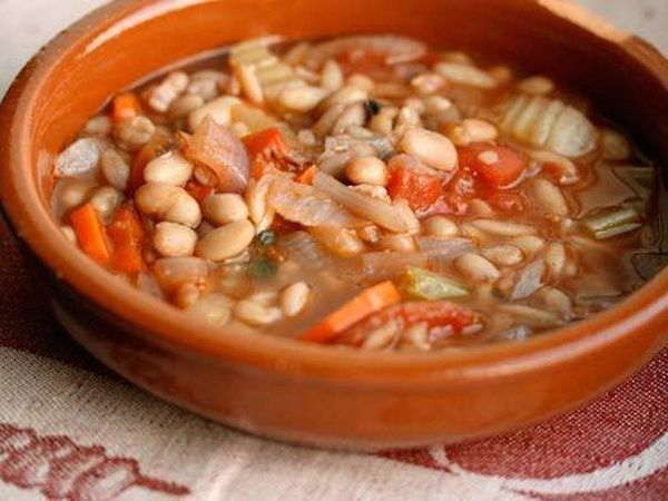 "<strong>Get the <a href=""http://www.huffingtonpost.com/2011/10/27/pasta-e-fagioli_n_1060908.html"">Pasta E Fagioli</a> recipe"