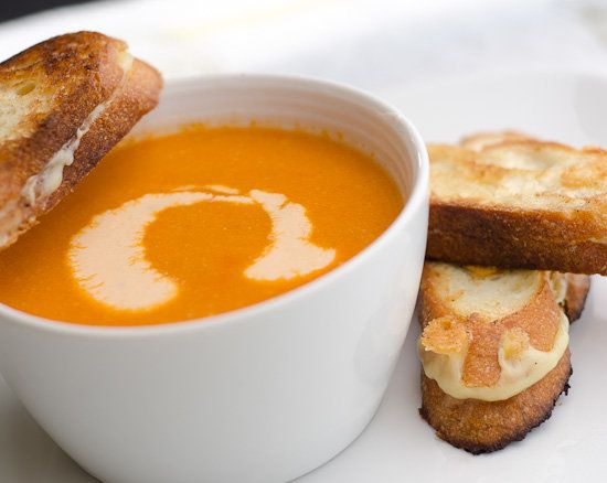 "<strong>Get the <a href=""http://www.dailyunadventuresincooking.com/recipe/warm-and-spicy-cashew-and-tomato-soup/"">Warm and Sp"