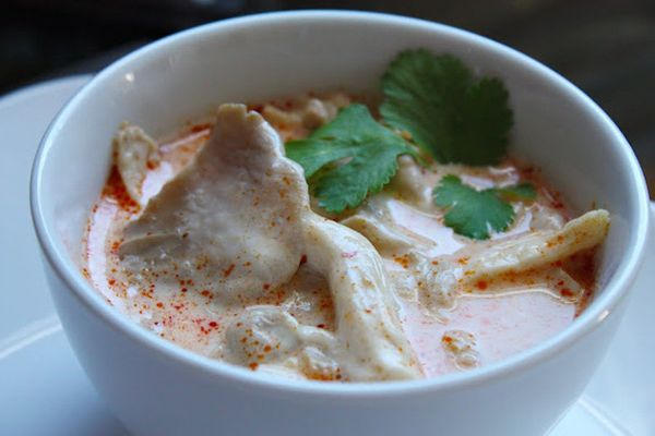 "<strong>Get the <a href=""http://shesimmers.com/2010/11/tom-kha-gai-recipe-tutorial-for.html"">Tom Kha Gai</a> recipe from She"