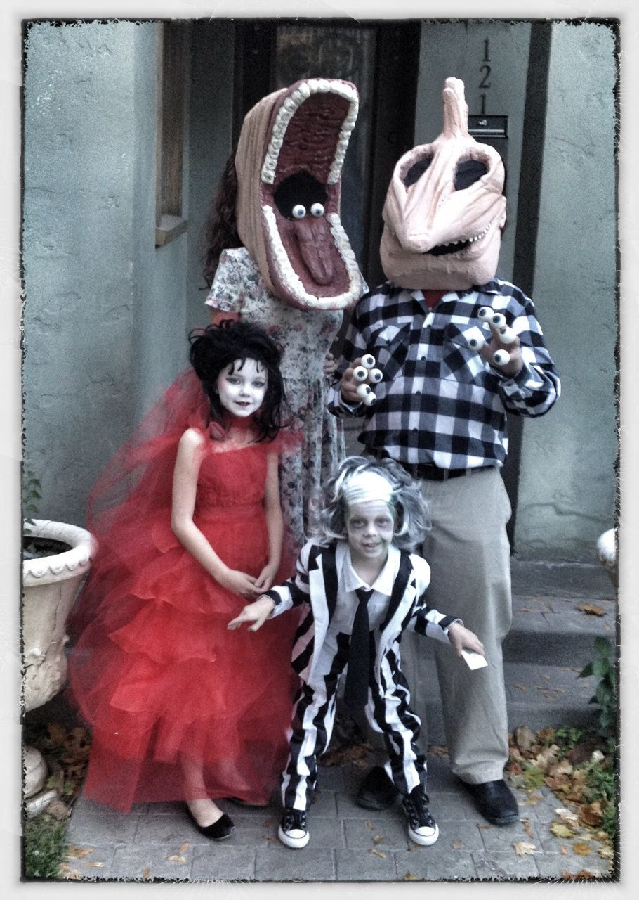 47 Fun Freaky And Fantastic Family Halloween Costumes Huffpost Life