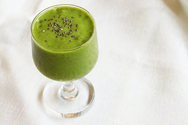 """Today Show health and nutrition expert <a href=""""https://twitter.com/joybauer"""" target=""""_blank"""">Joy Bauer's</a> Greens-In-a-Gla"""