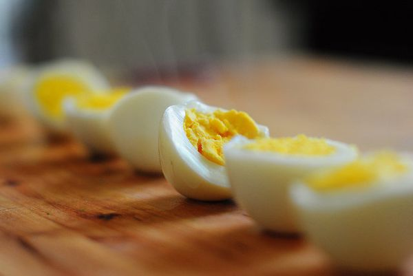 Hard boiled eggs are certainly not the prettiest or sexiest egg preparation there is, but they have a secret weapon: they are