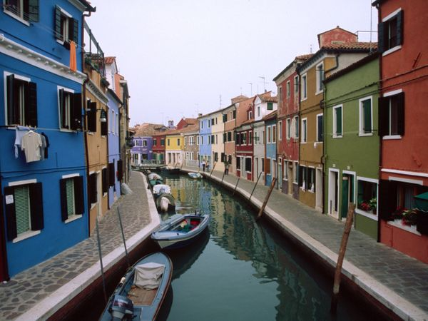 This Venetian island is famous for two things: lace and its ridiculously colorful homes.