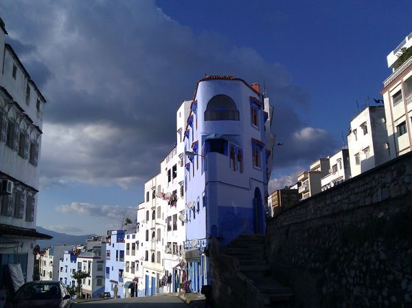 "Jewish <a href=""http://www.amusingplanet.com/2012/08/chefchaouen-blue-city-of-morocco.html"" target=""_blank"">refugees painted"