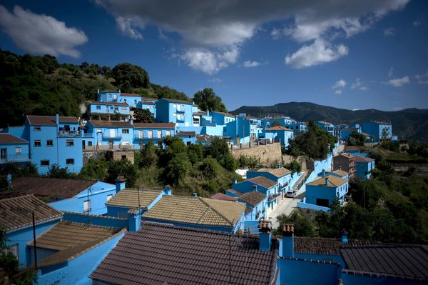 "The southern Spanish town was <a href=""http://www.huffingtonpost.com/2011/06/18/smurf-town-juzcar_n_879834.html#s294451"" targ"