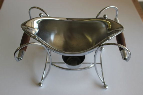 "<em><a href=""https://www.etsy.com/listing/154391005/mid-century-gravy-boat-sauce-gravy-boat?ref=sr_gallery_9&ga_search_query="