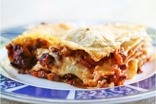 "<strong>Get the <a href=""http://www.simplyrecipes.com/recipes/lasagna_bolognese/"" target=""_blank"">Lasagna Bolognese Recipe</a"